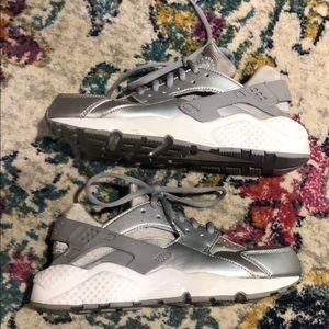 Nike Air women's Huarache Metallic Silver Sneakers